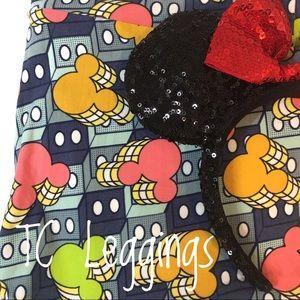 LuLaRoe Disney Mickey Mouse TC Leggings! 🎈🎈🎈
